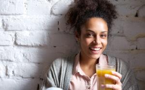 zumo naranja desayuno